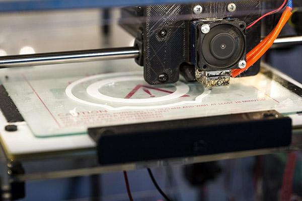 3D프린트 등을 활용해 개인 맞춤형 시제품 생산을 지원하는 게 목표다 - pixabay 제공