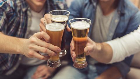 """혼술족에 경고 """"하루 적정 음주량은 맥주 딱 한 잔"""""""