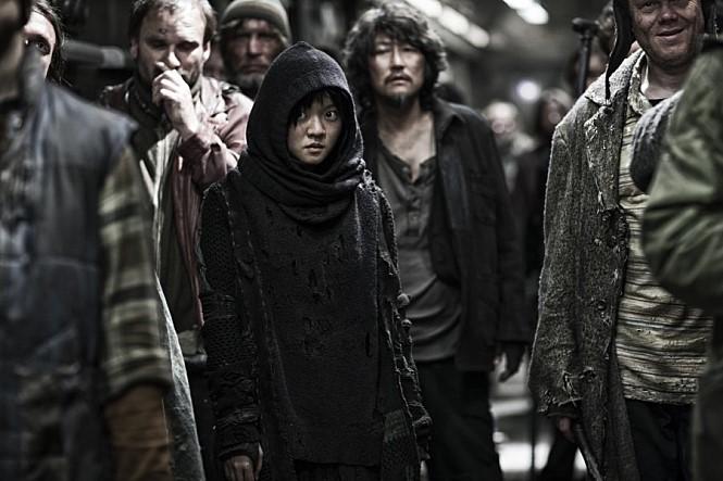 설국열차 (Snowpiercer, 2013) 스틸컷 (네이버 영화) 제공