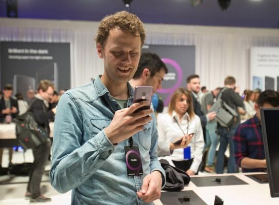평 엇갈리는 갤럭시S9, 스마트폰 시장의 숙제는?