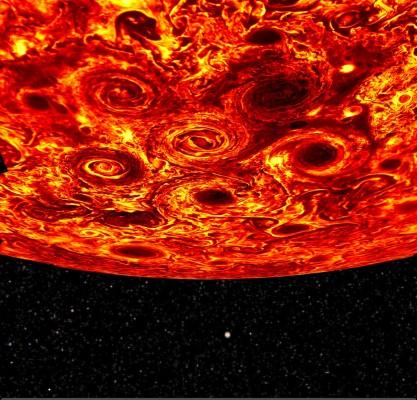 기이한 소용돌이...탐사선 '주노'가 발견한 새로운 목성