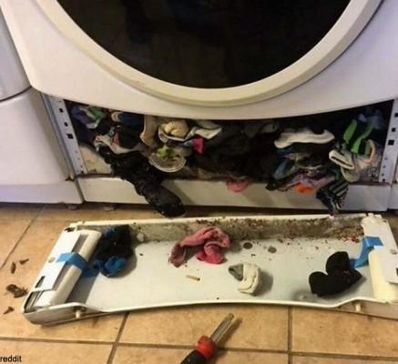양말을 훔치는 세탁기