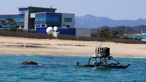 암초 많은 깜깜이 얕은 바다, 해저 지형 측정 가능해졌다