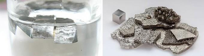 리튬이온배터리 양극재의 핵심원료인 리튬(왼쪽. 기름에 넣은 상태)과 코발트(오른쪽). 둘 가운데 어느 쪽이 더 귀한 대접을 받을까? - 위키피디아 제공