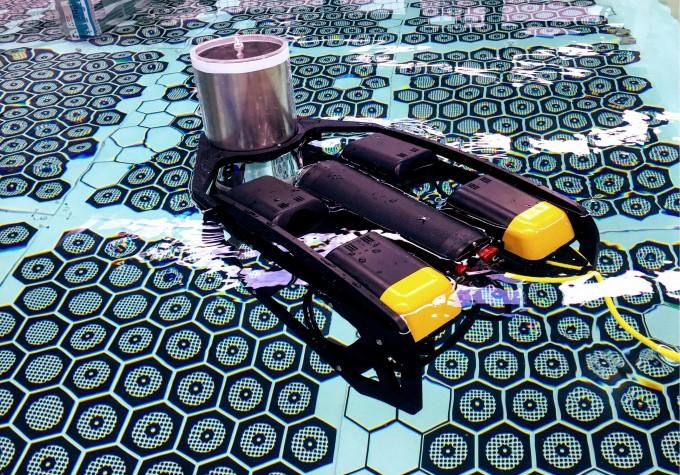 한국원자력연구원이 개발한 '핵연료 점검 로봇(SCV)'. 지난해 11월 호주에서 열린 'IAEA 로보틱스 챌린지(IRC)' 본선에서 영국, 헝가리 팀의 로봇과 함께 최종 3개 팀에 선정됐다. - 원자력연 제공