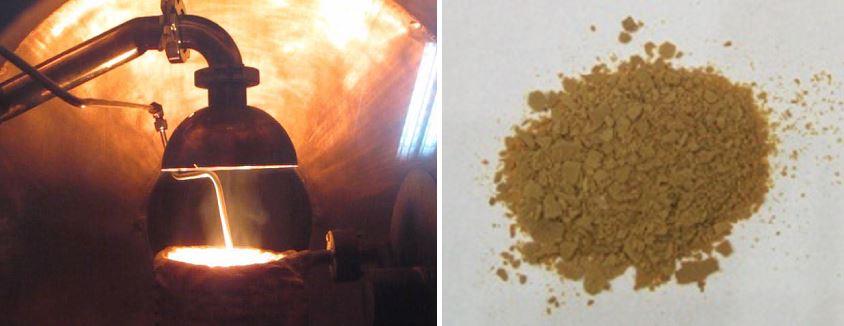 한국에너지기술연구원이 개발한 산화규소(SiOx) 나노입자 제조 공정(왼쪽)과 제조된 분말. 대기압·저온 조건의 공정으로 반응가스도 재사용 할 수 있어 제조 단가가 상용 제품 대비 30~50% 낮다. - 에기연 제공