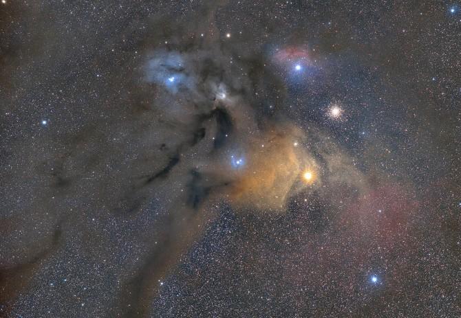 대상 '우주 수채화' 전영준作 - 은하수 방향으로 암흑대 먼지와 함께 안타레스 주변부의 성단과 성운이 길게 뻗어 있다. 강원도 홍천군 공작산 등산로 입구에서 촬영한 모습이다.