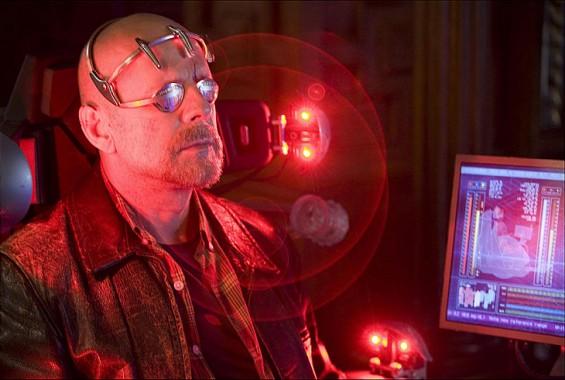 [全기자의 영화 속 로봇]⑦ 내 의식을 로봇에 옮겨심는다면… 써로게이트