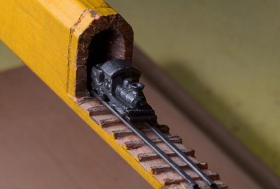 150만 원, 연필 깎아 만든 기차