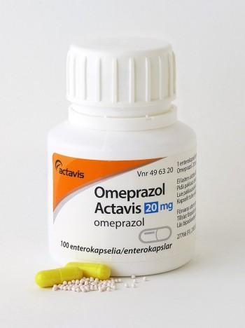 30년 전인 1988년 유럽에서 처음 출시된 최초의 양성자펌프억제제 오메프라졸은 위산과다 환자들에게 엄청난 희소식으로 2004년까지 무려 8억 명이 복용했다. 이제는 더 좋은 약이 많이 나와 별로 찾지 않는다. - 위키피디아 제공