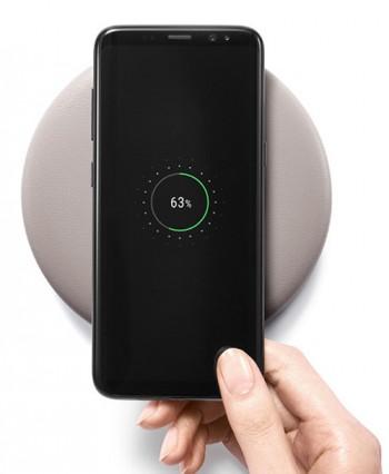 목표인 휴대전화 휴대전화 무선 충전기의 모습 - 어린이과학동아 7호 제공.