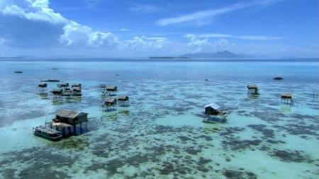필리핀 남부 바자우 족의 수상가옥. -사진 제공 Travelbusy.com