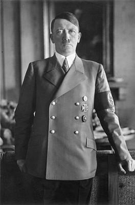 히틀러 생사 '음모론' 종식...치아 연구로 1945년 4월 30일 사망시각 특정