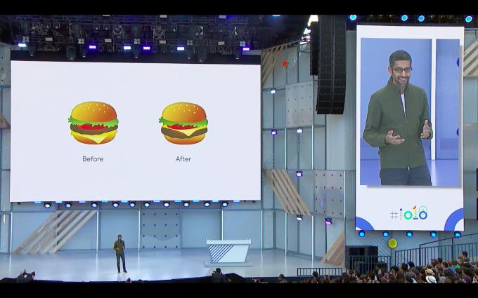 순다 피차이 구글 CEO는 치즈 모양이 어색한 이모티콘을 바로잡은 것으로 키노트를 열었다. - 최호섭 제공