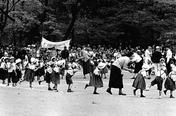 1954년 5월 5일 어린이날. 서울 창경궁 - 위키미디어 제공