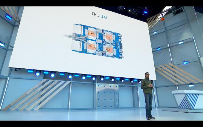 구글은 머신러닝을 빠르게 처리하는 가속 프로세서, TPU 3.0을 공개했다. - 최호섭 제공