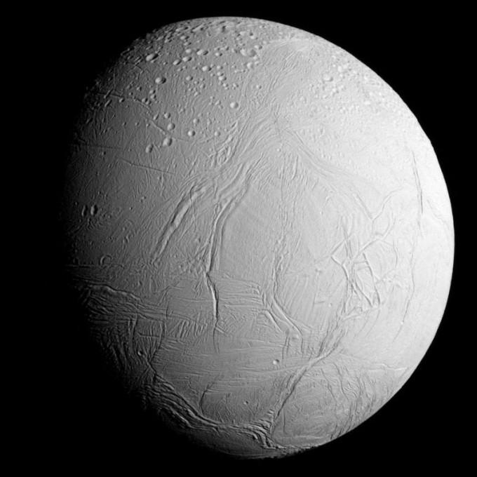 토성의 6대 위성 엔셀라두스 -사진 제공 NASA/JPL