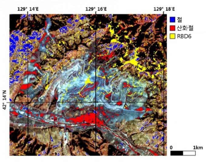한반도광물자원개발(DMR) 융합연구단이 개발한 위성 영상의 분광 특성을 활용한 원격 탐사 기술로 안산 철광 일대를 분석한 결과. - 자료: DMR 융합연구단