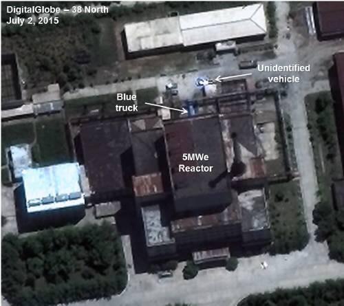 2015년 7월 영변 핵과학 연구센터 내 5MW급 원자로의 모습이다.- 38노스 제공