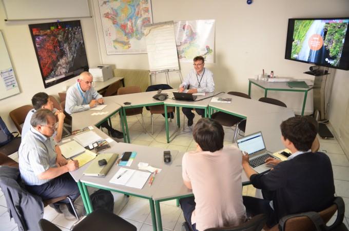 11일 한국 수자원 전문가들이 프랑스 지질광업연구원(BRGM)을 방문했다. 양국 전문가들이 수자원관리 기술에 대해 서로의 의견을 교환하고 있다. 몽펠리에=전승민 기자.