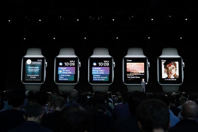 시리 워치페이스에 서드 파티앱이 추가됐고, iOS12에 적용된 시리 바로가기 항목들도 워치OS에 공통적으로 더해졌다. - 최호섭 기자