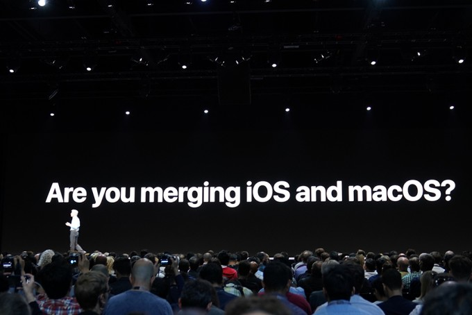 iOS와 맥OS의 통합은 없다고 못을 박았다. - 최호섭 기자
