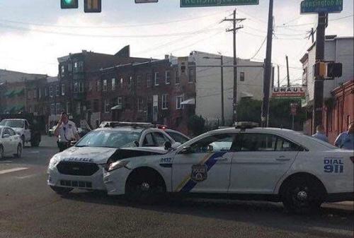 경찰차끼리 충돌 '희귀 교통사고'