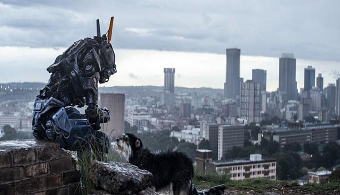 영화 채피의 주인공 로봇은 자신의 죽음을 두려워하는 존재로 묘사된다. 유니버설픽쳐스인터내셔널코리아 제공