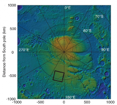 이탈리아 연구진이 화성의 남극에서 얼음층 아래 1.5㎞ 깊이에 액체 상태의 물이 호수 형태로 모여 있다고 분석한 지역(네모 박스)의 위치. - 자료: 사이언스