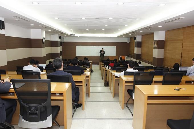 동국대 탐정법무전공 학생들이 수업을 듣고 있다. - 최지원 기자 제공
