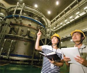 KSTAR 최초 플라스마 발생 실험 성공 당시(2008년) - 과학동아 제공