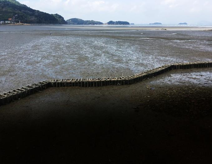 한려해상국립공원에 설치된 모래포집기. - 한려해상국립공원 제공
