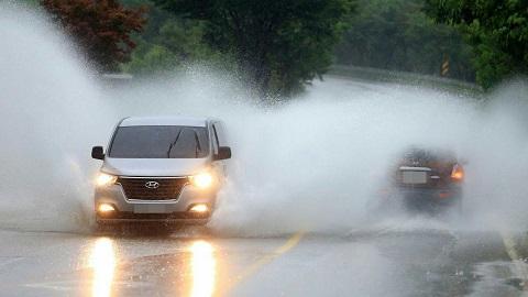 천둥 동반 국지성폭우, 오늘밤도 서울 경기 찾는다