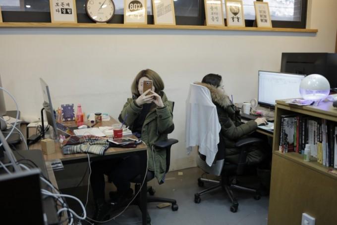 개발 중인 JP브라더스 팀원들 모습