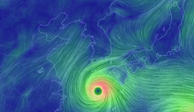 월 22일 오전 11시기준, 제 19호 태풍 솔릭의 위치로제주도로 북상하고 있다.-어스널스쿨 화면 캡쳐 제공