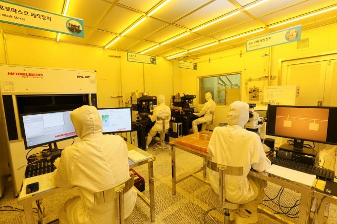 원자력연구원 방사선기기팹은 방사선기기 전문기업 육성을 지원하고 있다-한국원자력연구원 제공