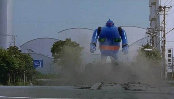 2005년 개봉한 실사판 철인 28호의 한 장면.