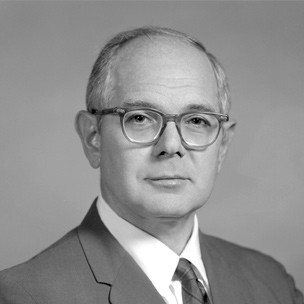 미국의 유행병학자 레너드 컬랜드는 1953년 괌 현지에서 리티코-보딕의 원인을 규명하는 연구를 시작했다. 그는 1960년대 소철 씨 분말인 파당을 원인으로 지목했지만 인정을 받지 못한 채 2001년 작고했다. - 메이요클리닉 제공
