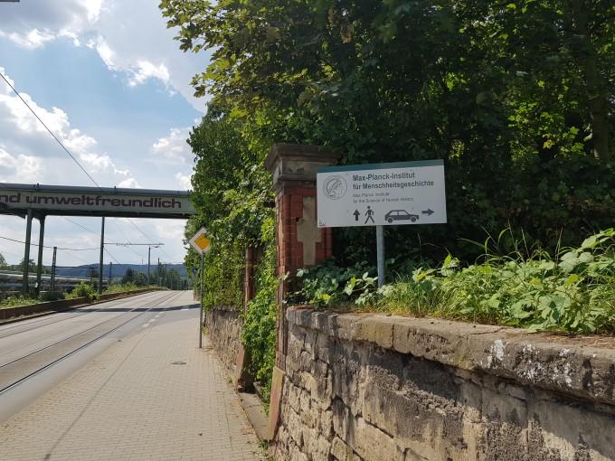 독일 뮌헨에서 350㎞ 정도 떨어진 교육·연구 중심도시 예나에 위치한 막스플랑크 인류학연구소의 입구. - 예나=송경은 기자 kyungeun@donga.com