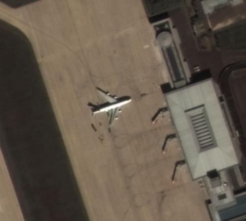 평양 순안공항에 주기되어 있는 공군 1호기. (c)Deimos Imaging, an UrtheCast