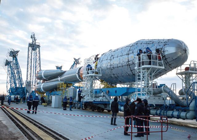 러시아가 극동 지역인 보스토니치 우주 기지에서 프로톤M 로켓 발사 준비를 하고 있는 모습 - 러시아 연방우주공사