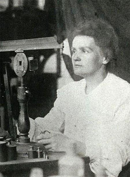 최초의 여성 노벨상 수상자인 마리 퀴리는 1903년과 1911년 각각 물리학상과 화학상을 받았다. 초기 노벨상의 전설 같은 인물이지만 이후 노벨상에서 여성 수상자는 수년에 한 번 등장할 만큼 귀한 존재가 됐다. 노벨 재단 제공