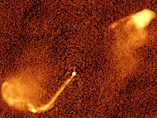 중심에 거대질량블랙홀 2개 가진 은하 포착