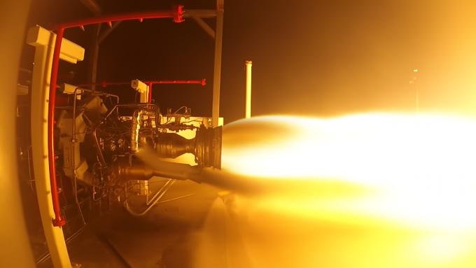 모자브 항공우주기지에서 발사체인 렌처원에 들어갈 엔진의 연소시험을 진행하고 있다.-버진 오빗 제공