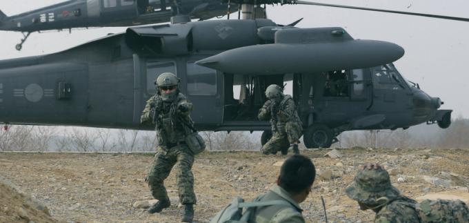 2014년 한국과 미국 공군의 연합전투탐색훈련 장면. - 동아일보 제공