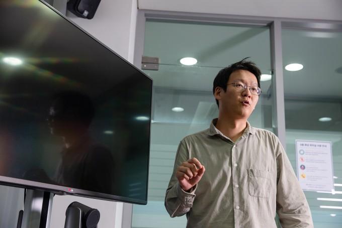 권민상 울산과학기술원 신소재공학부 교수 연구진이 세계최초로 유기물 광촉매 개발 플랫폼을 개발했다-UNIST 제공