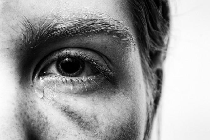 누구나 고통스러운 기억을 가지고 살아간다. 고통의 기억은 우리의 과거뿐 아니라 현재를 규정하고 재단한다. 트라우마에서 해방되는 일은 쉬운 일이 아니다. 우리 마음은 고통의 기억이 보다 잘, 보다 오래도록 남도록 진화했기 때문이다. - 픽사베이 제공
