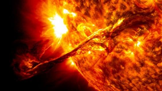 [우주재난]예측불허 태양흑점 폭발 문명 위협하는 재앙이 되다(상)