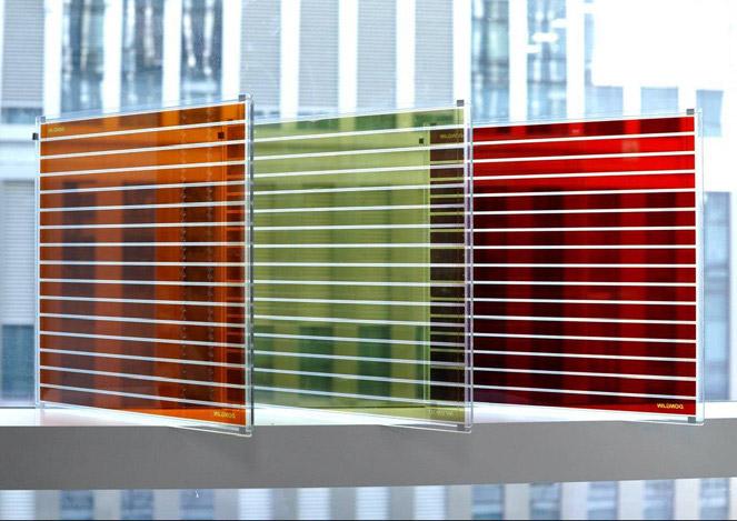 염료 감응 태양전지(DSSC)를 이용하면 투명하면서 다양한 색을 가진 창문을 만들 수 있다. 발전과 채광을 동시에 할 수 있는 셈이다. 동진쎄미켐 제공