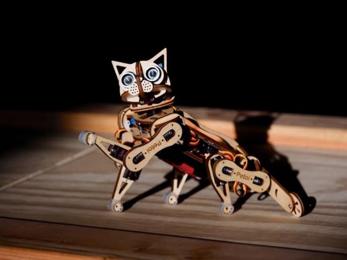 로봇 고양이 니블. 펫토이 제공